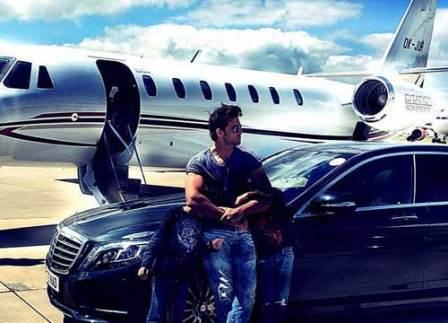 Hrithik Roshan owner of a private jet, Hrithik Roshan private jet, Hrithik Roshan, private jet, Hrithik Roshan private jet images, Bollywood Hrithik Roshan private jet images